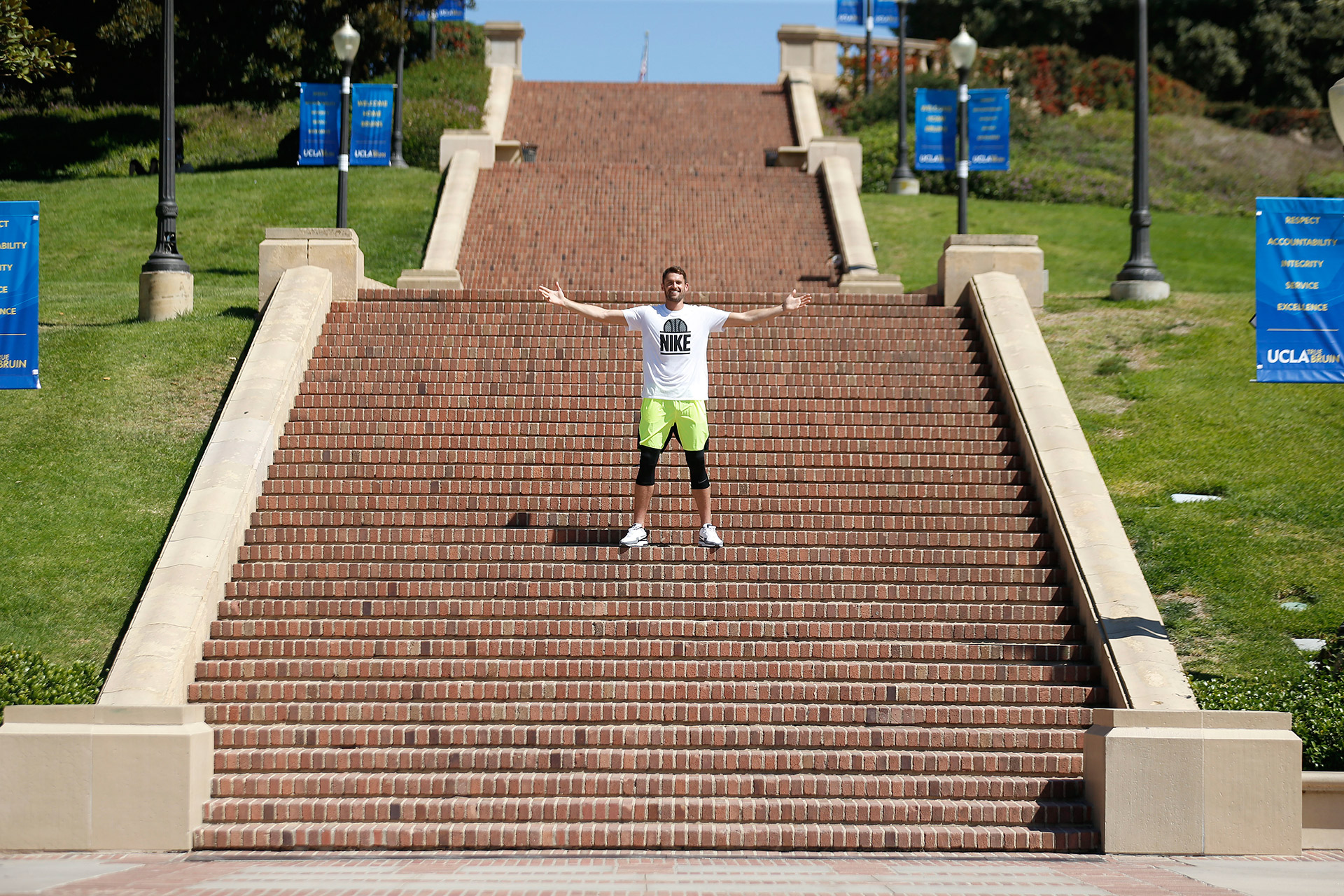 091816_JJ_KLove_UCLA_1416-copy
